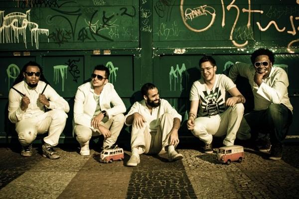Banda SambaGroove participa da estreia o projeto Baile Du Bom, no Outro Calaf  (André Jannuzzi/Divulgação)