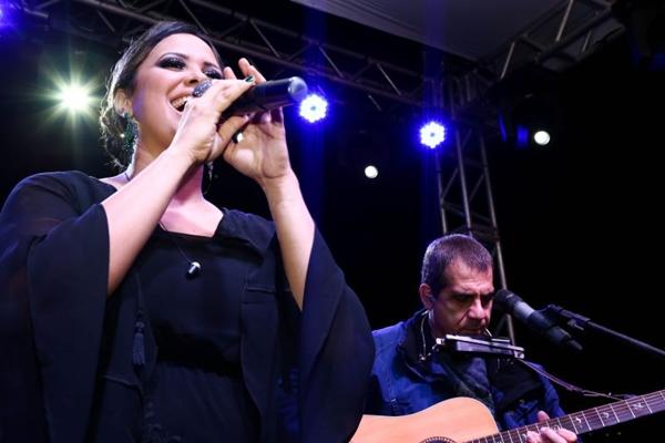 Cantora Adriana Samartini  (Charles Vieira/Divulgação)