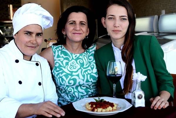 Malu dos Santos. Elô Siqueira e Bianca Siqueira preparam massas à moda do sul da Itália (Marcelo Ferreira/CB/D.A Press)