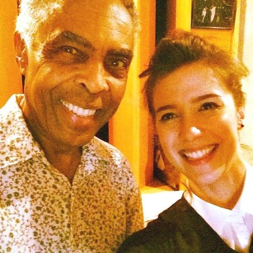 Marjorie Estiano na gravação da música Luz do sol, com Gilberto Gil (Marjorie Estiano/Instagram/Reprodução)