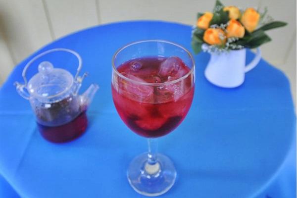 Os chás gelados chamam a atenção pela refrescância e pela diversidade de combinações (Carlos Moura/CB/D.A Press)