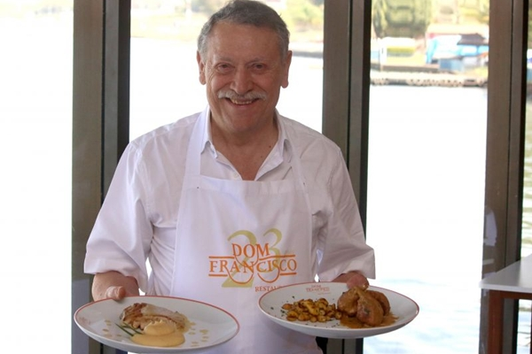 Francisco Ansiliero cultiva os mangaritos usados em dois pratos de seu restaurante (Oswaldo Reis/Esp. CB/D.A Press - 29/8/14 )