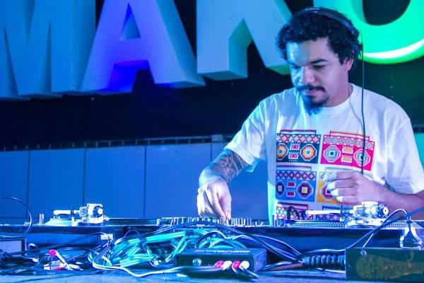 DJ Wash se apresenta na festa (Rômulo Juracy/Esp.CB/D.A Press)