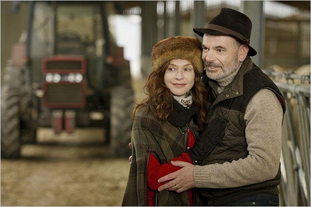 Isabelle Huppert e  Jean-Pierre Darroussin vivem um casal em crise (Adoro cinema/Reprodução)