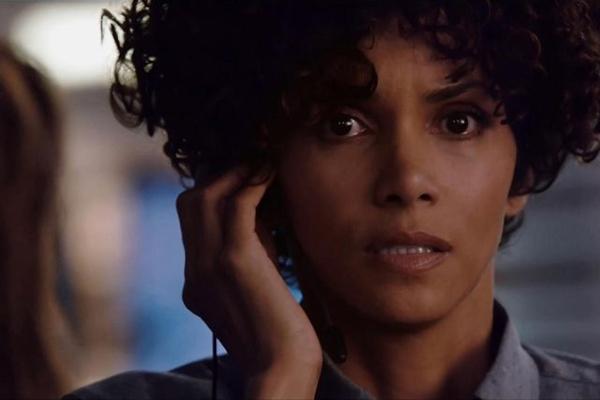 Halle Berry trabalha para a polícia em Chamada de emergência  (Diamond Films/Divulgação)