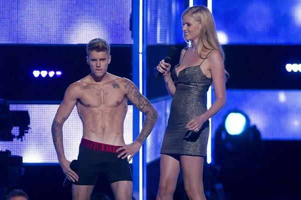 Em rede social, Bieber comentou que 'não estava planejado'  (Carlo Allegri/Reuters)