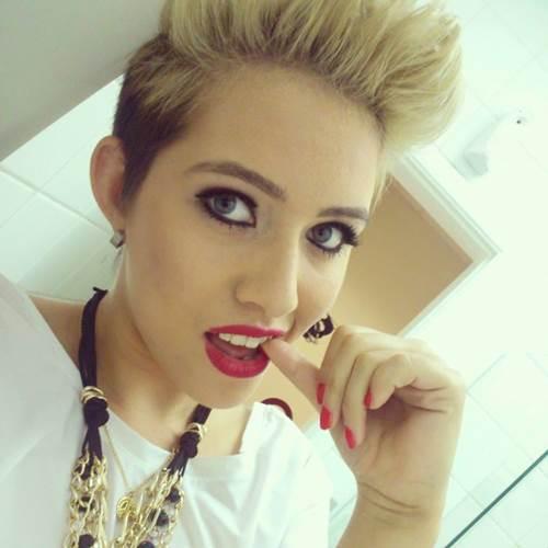 Anna Miley se apresenta nesta sexta-feira (11/9) (Reprodução/Facebook)