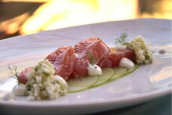 No salmão ao molho de iogurte, o laticínio ganha uma pitada de sal. O tempero e a acidez natural do ingrediente dão sabor marcante à receita  (Ana Rayssa/Esp. CB/D.A Press)