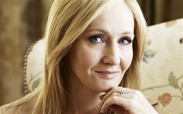 J.K. Rowling virou notícia ao responder comentário homofóbico no Twitter (J.K. Rowling/Divulgação)