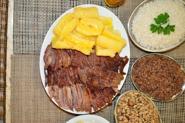 Carne de sol completa é o prato mais pedido no Paraíba Carne de Sol  (Paula Rafiza/Esp. CB/D.A Press)