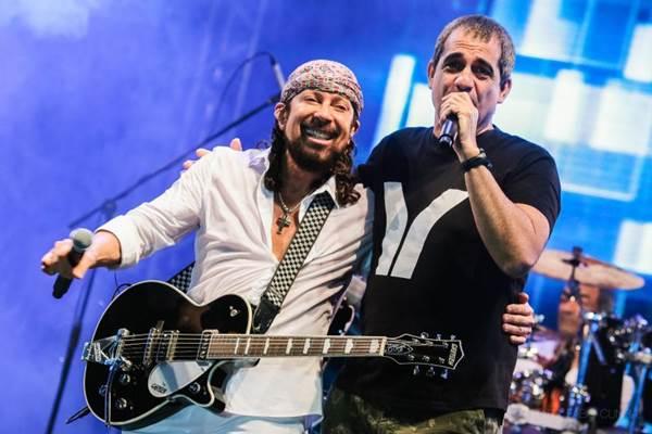 O cantores se apresentarão na festa Brasília Elétrica (Fabio Cunha/Divulgação)