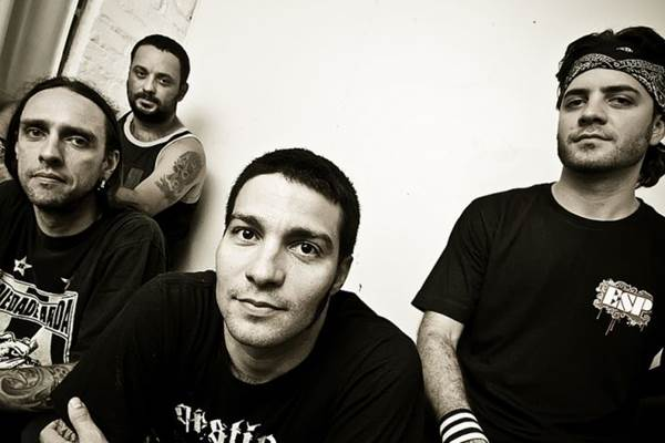 Dead Fish apresenta os hits 'Você', 'Queda livre' e 'Bem-vindo ao clube' (Mauricio Santana/Divulgação)
