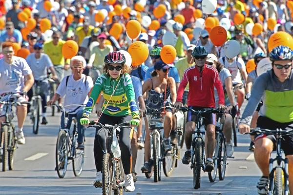 1º Passeio Ciclístico da Primavera pelo Dia Mundial Sem Carro (Carlos Silva/CB/D.A Press)