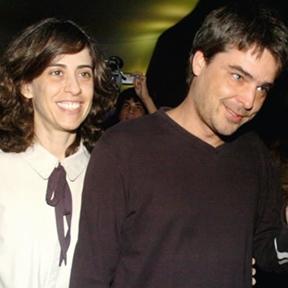 Com o casamento em crise, Andrucha foi fotografado beijando a produtora Gabi Figueiredo, durante o carnaval de 2010. O acontecido levou Fernanda e Andrucha a viajarem com os filhos para Nova York. Eles estão juntos até hoje.  (GeorgeMagaraia/AG istoé)