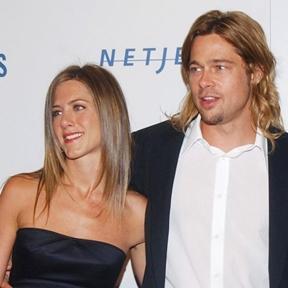 Angelina Jolie e Brad Pitt se conheceram e começaram a se relacionar durante as filmagens de 'Sr. e Sra. Smith', em 2005, quando o ator ainda era casado com a atriz Jennifer Aniston. ( REUTERS/Jim Ruymen )