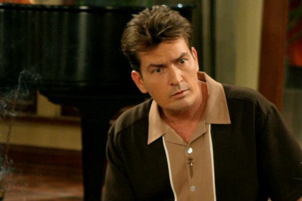 Charlie Sheen como Charlie Harper em 'Two and a half men' (CBS/Divulgação)