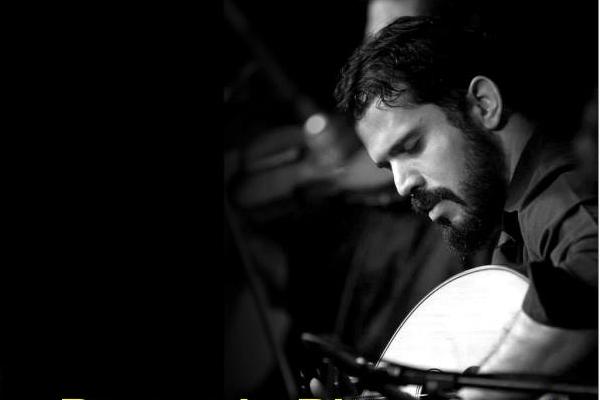 Músico Bernardo Bittencourt. O músico se apresentará na noite de 25/9 no Entre Amigos (facebook/reprodução)