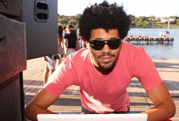 O DJ Daniel Black é uma das atrações da festa (Luis Xavier de França/Esp. CB/D.A Press)