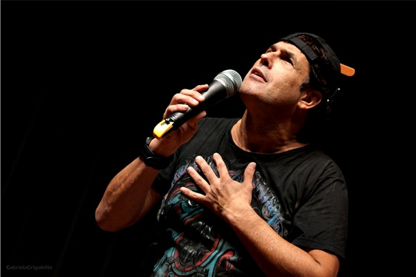 Mallandro: palco permite ao comediante ficar mais à vontade para improvisar  (Marcello Terra/Divulgação)