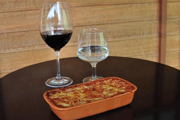 Receita original da região da Bolonha, na Itália, é preparada na Trattoria 101  (Paula Rafiza/Esp. CB/D.A Press)