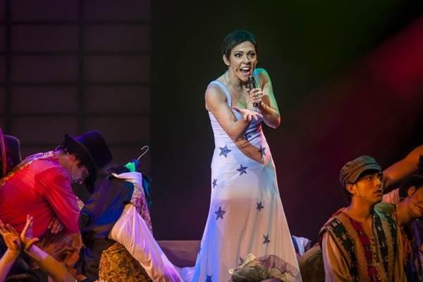 Laila Garin tem performance arrebatadora como a Pimentinha (Caio Gallucci/Divulgação)