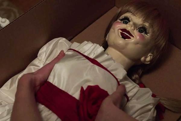 A boneca de Invocação do mal ganha um filme só para ela em Annabelle  (Warner Bros/Divulgação)