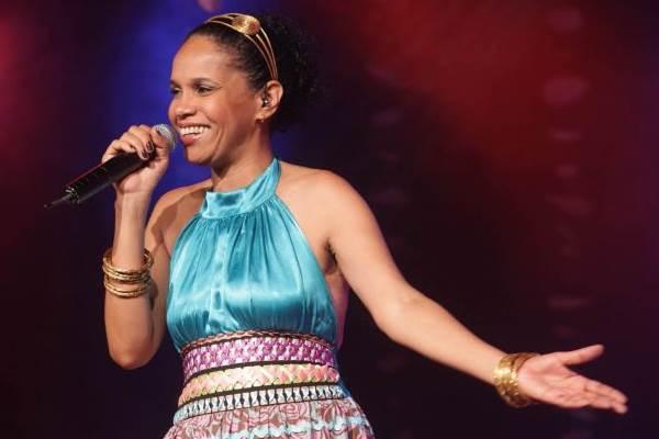 A cantora Teresa Cristina se apresenta no projeto (Augusto Coelho/Divulgação)