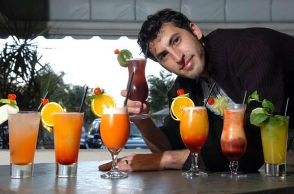 Conhe a a trajet ria de alguns dos principais bartenders for Balcony 412 sul