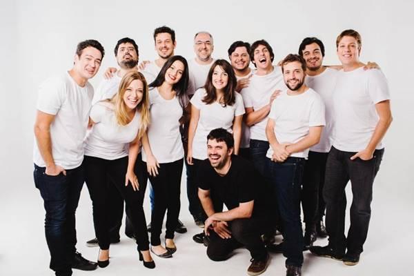 Os 12 atores do coletivo farão parte do programa na tevê (Fox/Divulgação)