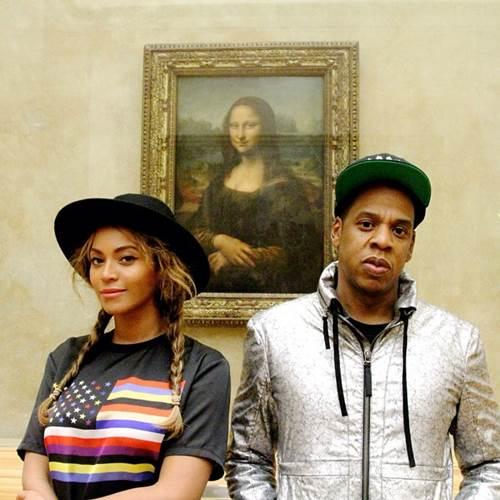 Durante a viagem a Paris, o casal aproveitou para visitar o Museu do Louvre (Reprodução/Instagram)