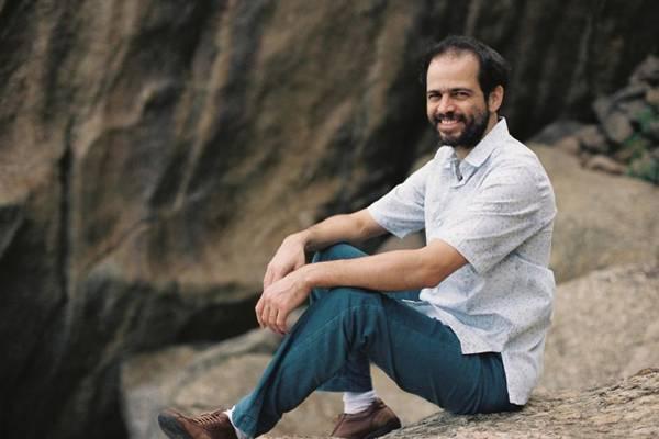 Músico Moreno Veloso (Caroline Bittencourt/Divulgação)