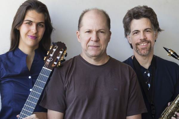 Paula Borghi (E), Maurício Carrilho e Pedro Paes se apresentam até sexta-feira na cidade (Silvana Marques/Divulgação)