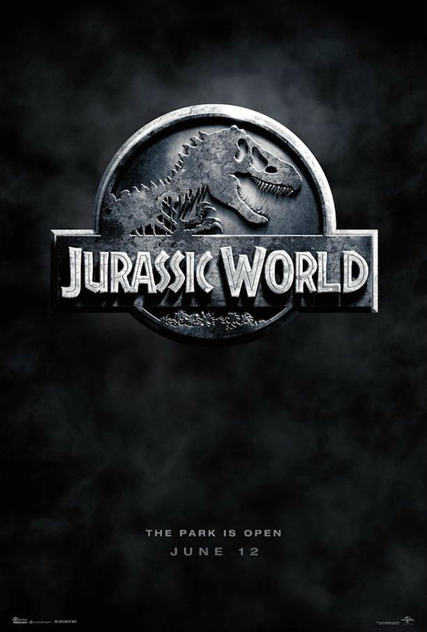 Jurassic World, novo filme da franquia Jurassic Park recebe poster de divulgação. A estreia do longa está prevista para junho de 2015, com direção de Colin Trevorrow e conta com ChrisPratt (Guardiões da Galáixia) no elenco (Divulgação)