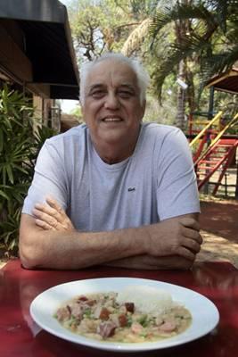 Fernando La Rocque abrasileirou a receita do francês cassoulet  (Ana Rayssa/Esp. CB/D.A Press)