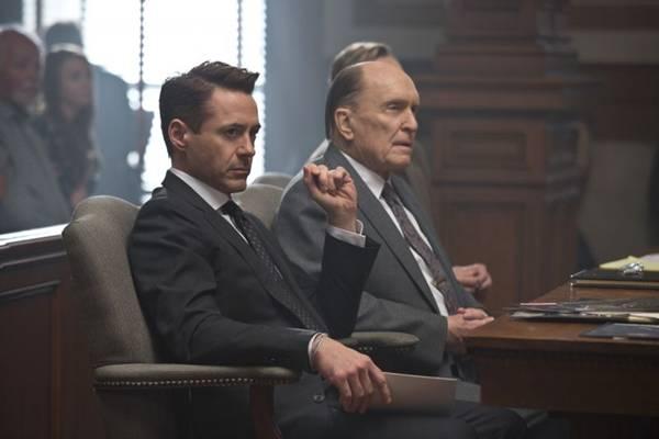 Tensão entre filho e pai permeia uma das principais tramas do filme  (Warner Bros/Divulgação)