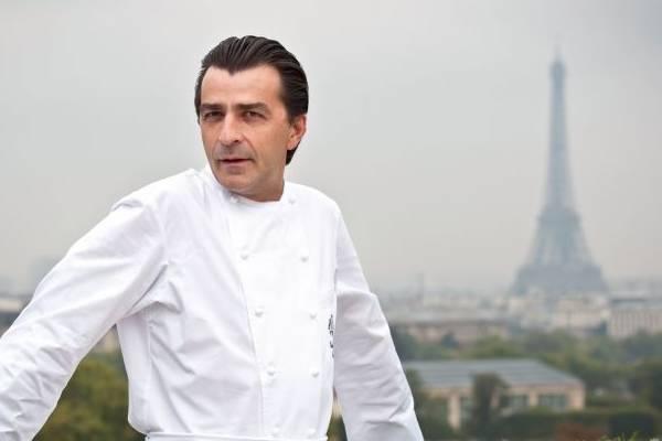 Chefe francês Yannick Alleno  ( AFP PHOTO / MARTIN BUREAU )
