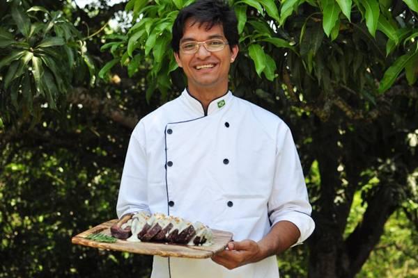Rodrigo Aquino dá uma nova cara ao tradicional churrasco  (Paula Rafiza/Esp. CB/D.A Press)