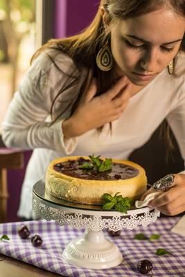 Chef Ana Carla Camargo almeja ser referência na produção do cheesecake  (Rafael Facundo/Divulgação)