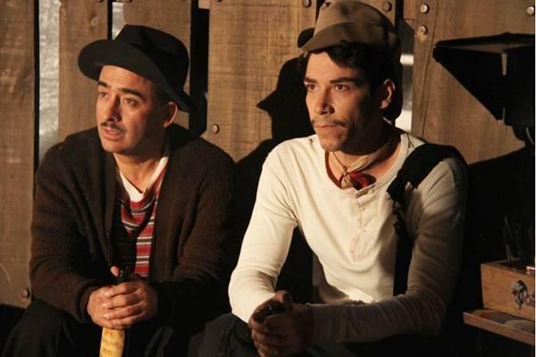 A escolha de Óscar Jaenada para viver o protagonista é um dos acertos do longa  (Paris Filmes/Divulgação)
