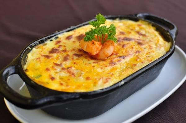 No O Bistrô Escondido, chef André Carvalho serve inusitadas versões de escondidinho (Paula Rafiza/Esp. CB/D.A Press)
