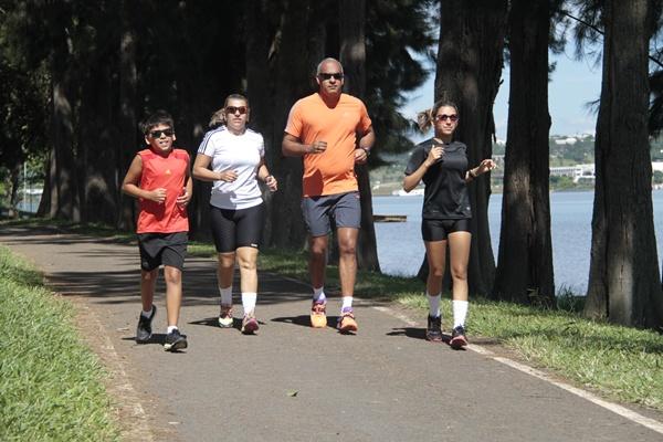 Em pouco mais de um mês correndo três vezes por semana é possível notar resultado (Ana Rayssa/Esp. CB/D.A Press)