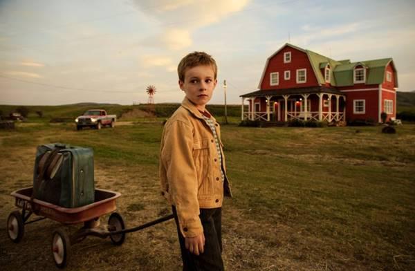 O menino T. S. Spivet sai escondido do rancho onde mora com os pais para ir a Washington  ( California Filmes/Divulgação)