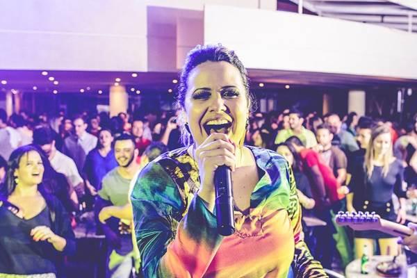 Cantora Adriana Samartini ( Bruno Pimentel/Divulgação)
