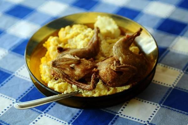 Servida como aperitivo, a codorna é a vedete do Bar da Codorna, na Asa Norte  (Gilberto Alves/CB/D.A Press)