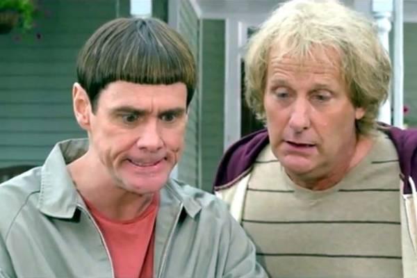 Harry Dunne e Lloyd Christmas se metem em novas confusões  (Universal Pictures/Divulgação)