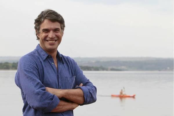 O francês Olivier Anquier trará para Brasília a receita de bife de contrafilé com molho especial (abaixo) de sua família (Ana Rayssa/Esp. CB/D.A Press)