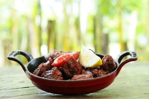 Chorizo de picanha importado do Uruguai é uma das opções encontradas no Pobre Juan (Tadeu Brunelli/Divulgação)