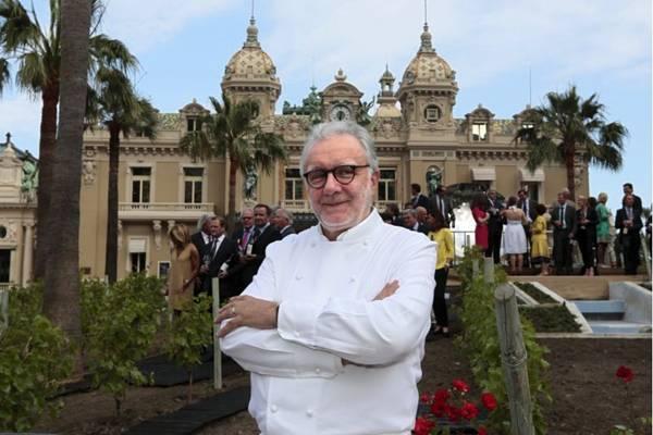 Alain Ducasse é um dos chefs mais estrelados do mundo   (REUTERS/Eric Gaillard)
