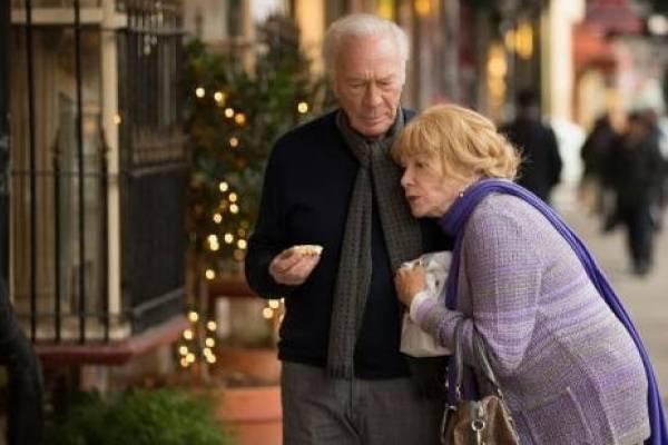 Shirley MacLaine e Christopher Plummer revivem trama originalmente argentina (Diamond Filmes/Divulgação)