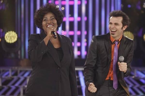 Vanessa Jackson e Márcio Ballas se apresentam no palco do programa  (Roberto Nemanis/SBT)